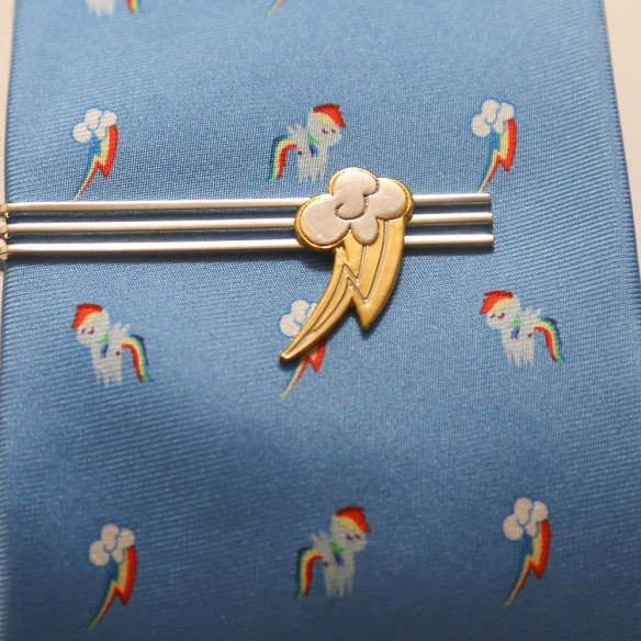 attache cravate RD