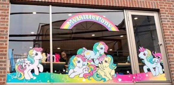 Devanture du My Little Pony Café à Tokyo